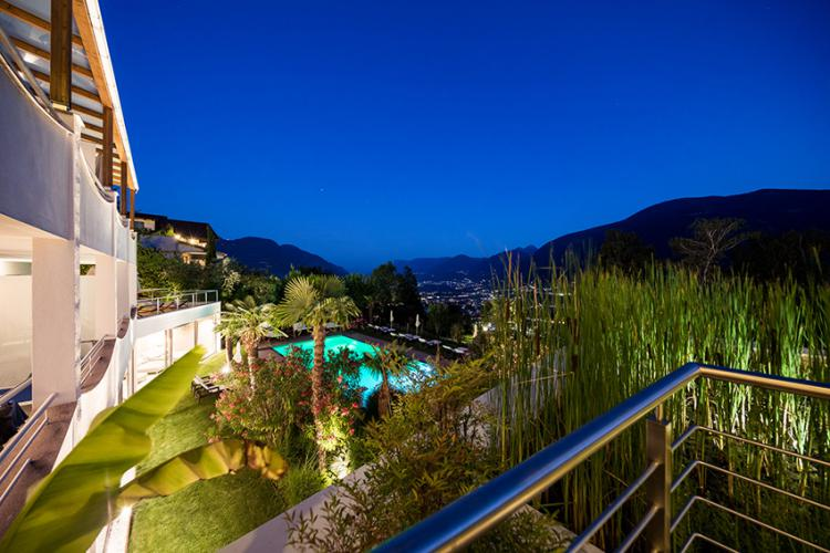 Breath-taking views over Merano and surroundings from the lily pond