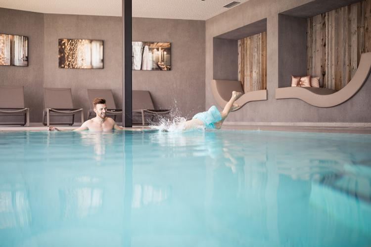 Indoor swimming pool – Hotel Am Sonnenhang