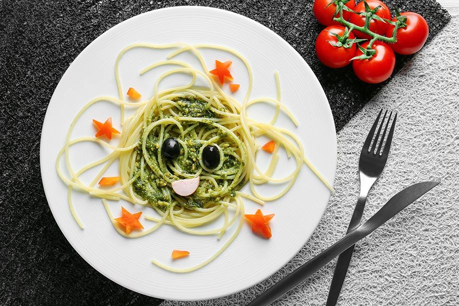 Spaghetti with pesto for kids